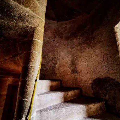 chateau-chalabre-escalier-du-donjon