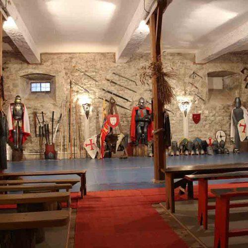 chateau-chalabre-salle-d-armes