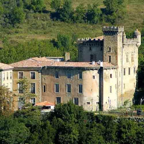 chateau-chalabre-vue-donjon-et-structures-15-et-18-eme-siecles-2