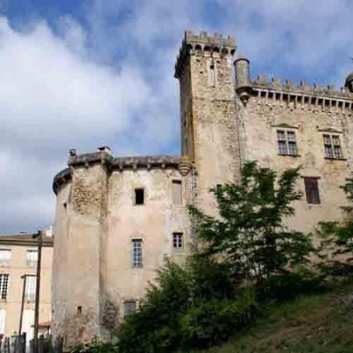 chateau-chalabre-vue-donjon-et-structures-15-et-18-eme-siecles